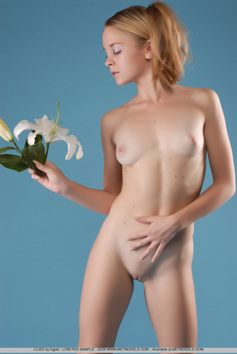 Karen Angle Picture Nude